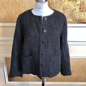 Eileen Fisher black hidden buttons down blazer. S